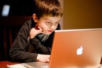 Kids computer2